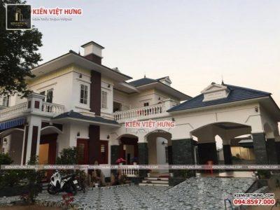 Biệt thự 2 tầng được thiết kế dựa trên yêu cầu của gia đình anh Hùng
