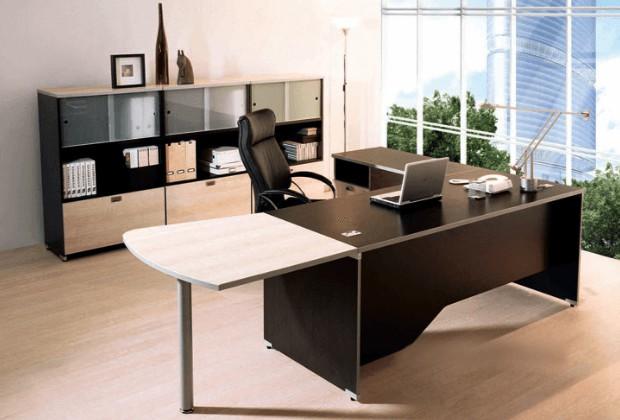 Vật sắc nhọn, hình thù kỹ quái là vật phẩm không được đặt trên bàn làm việc
